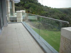 Frameless Glass with Aluminum Profile