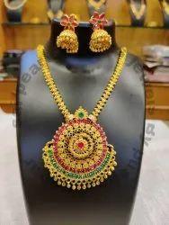 Golden Ad Stone Necklace Set