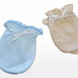 Multicolor Girl & Boy baby mittens, Age Group: 0-1yr