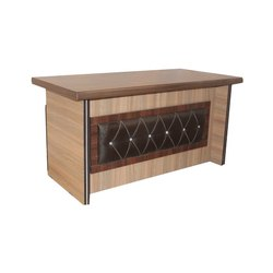 Living Woods Rectangular Wooden PLB Office Table, for Corporate Office