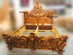 Brown Wooden Heavy King Size Carved Bed, Size: 6ft X6.5ft