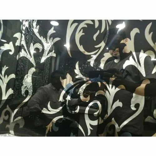 Printed Polished Decorative Lacquered Glass, Thickness: 5 To 12 Mm, for Wardrobes