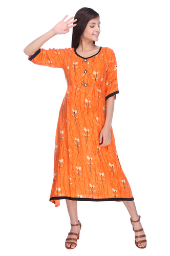 2214a209cf MomToBe Women  s Rayon Tiger Orange Maternity Dress