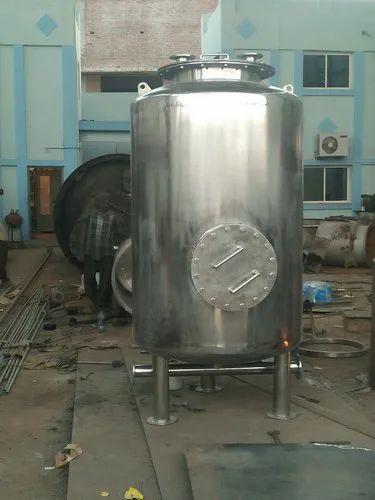 Automatic Custom Stainless Steel Chemical Storage Tank, Warranty: 1 Year, 0-50 Bar