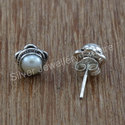 Beautiful Pearl Gemstone Handmade Stud Earring