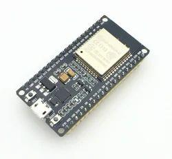Nodemcu ESP8266-32 (CP2102 Based)