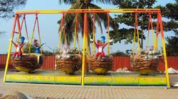Woody Swing Amusement Ride