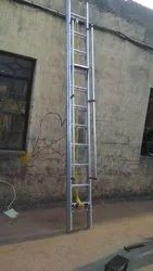 Extendable Ladder With Wall Support