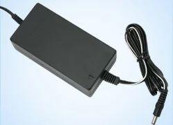 Output Voltage : 5VDC/7.5V/9.0V12.0V/15.0V/24V SS09CaaseAdaptor