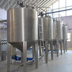 STAINLESS STEEL CHEMICAL MIXER TANK