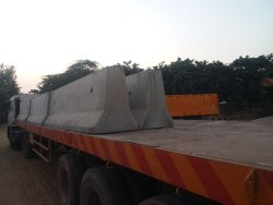 Concrete Stone 820mm Road Divider, Jersey Barrier