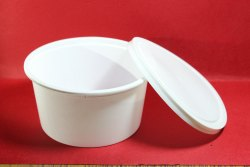 White and Black Disposable Food Packaging Containers