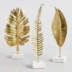 Metal decorative leaf