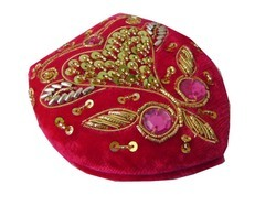 Zari Embroidery Work Compact Mirror, Usage: Travel, Household