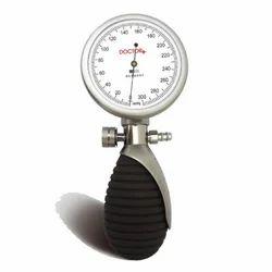 Doctor  Bravo Palm Sphygmomanometer