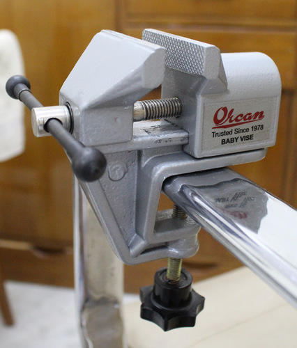 Orcan Aluminium Casting Baby Bench Vice Portable Type Warranty 1