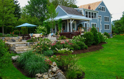 Front Yard Farmhouse Landscaping Services, Deportes Sports Infrastructure    ID: 20345688212
