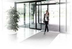 Plain Transparent Automatic Doors