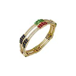 Diamond Studded 18k Solid Gold Bangle