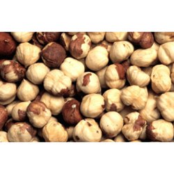 Roasted Hazelnuts, Packaging Type: Plastic Packet, Packaging Size: 1 Kg