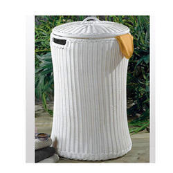 Carry Bird Outdoor Wicker Laundry Basket