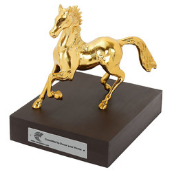 Golden Aluminium Horse Sculpture (Metal)