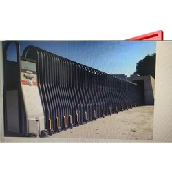 Black Stainless Steel Retractable Gate, For Residential