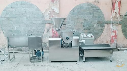 Italian Pasta Making Machine