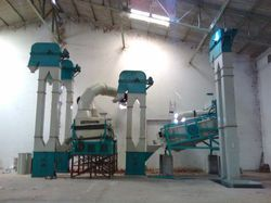 Metal Semi-Automatic Maize Cleaning Plant