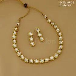 Antique 1 Line Delicate Kundan Necklace Set