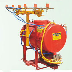 Tractor Mounting Boomer, Capacity: 200 Liter