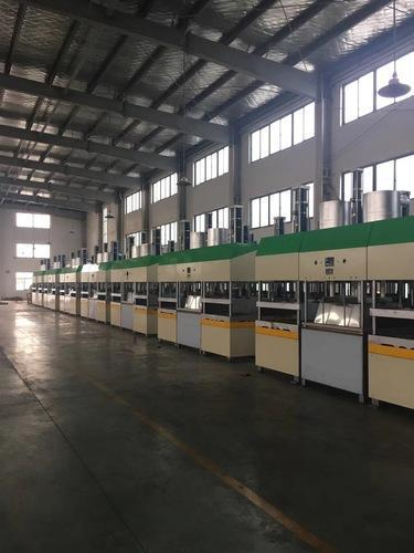 Use and throw plates manufacturing machine