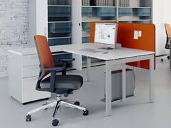 Linear Both Side Sharing Workstations