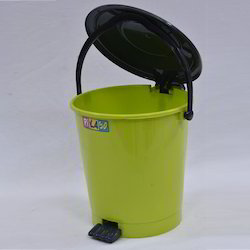 Pedal 1004 Dustbins