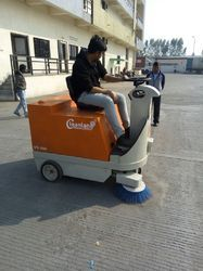 Ride On Battery Operated Road Sweeper