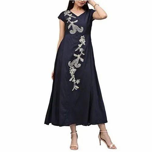 Anarkali Half Sleeve Rayon Embroidered Kurti, Size: Large