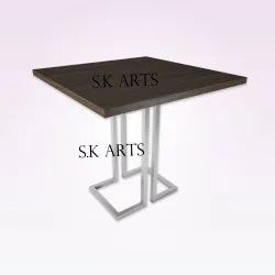 Natural Brown Wooden Restaurant Table, For Hotel & Restaurants, Size: 30*30*30 Inch