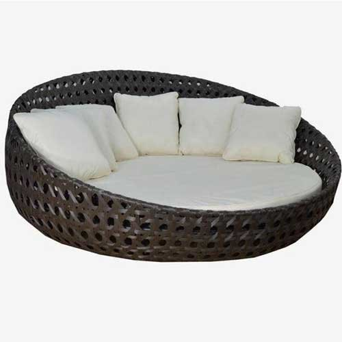 Wicker Black Round Outdoor Daybed, Rs 50000 /piece Universal Furniture |  ID: 21898540288