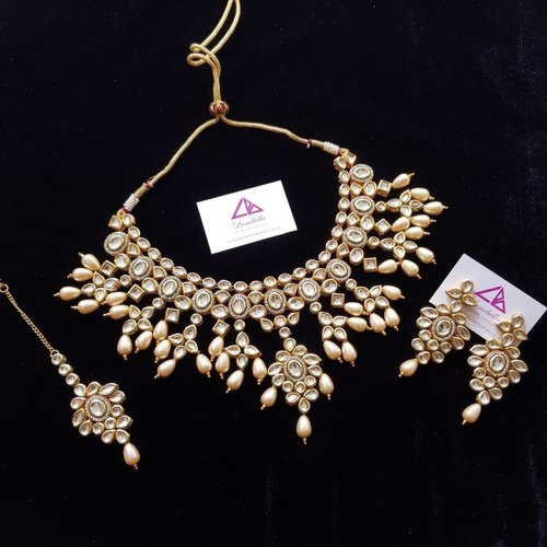 Manufacturer of Antique Jewelry & Kundan Jewelry by Cbigs
