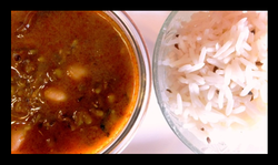 Boiled Rice With Tomato Chutney