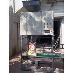 Rice and Pulse Packing Machine