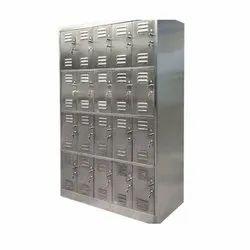 Key Lock Rectangle Stainless Steel Locker, Size: 7x 4 Feet