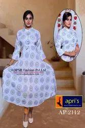 Printed Slab Rayon Adjustable Gown, Size: L-XL-XXL