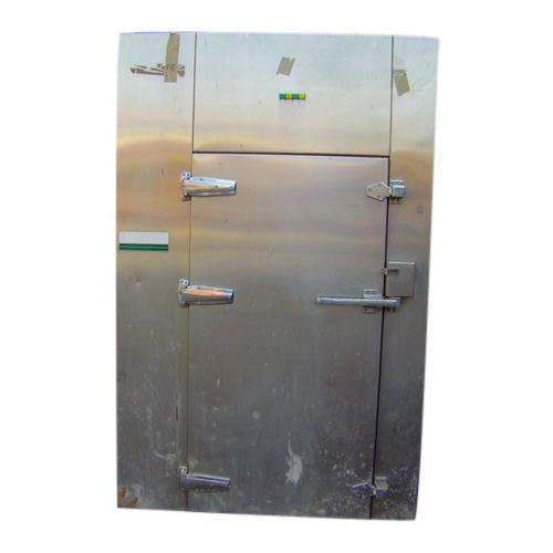 Used Gillowy Ovens, Size: 650 Mm Wide X 1100 Mm Deep X 100 Mm Between Trays