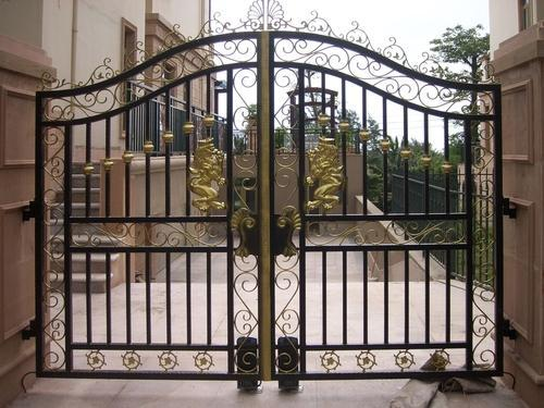 Iron Black Ornamental Sliding Garden Gate, Size: 144 X 72 Inch
