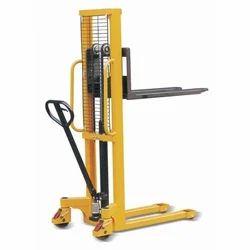 Manual Hand Pallet Stacker Capacity 2 Ton