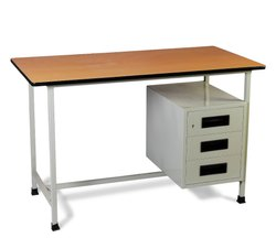Reckon Rectangular Wooden Drawer Table, Size: 4 X 2.5 Feet, for Home and Hotel