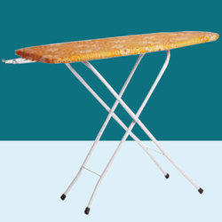 Foldable Ironing Table, Size: L 6 X W 3 feet