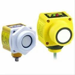 Banner QT50U Series Chemical Resistant Ultrasonic Sensor