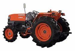 Kubota L4508 4WD, 45.2 hp Tractor, 1300 kg